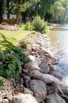 Desert landscaping Ideas - Best ideas for the garden, backyard, patio! Lake Dock, Lake Beach, House Landscape, Landscape Design, Garden Design, Lake Landscaping, Landscaping Ideas, Landscaping With Rocks, Lakeside Living