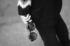 Smilingischic, fashion blog, Outfit, dettaglio occhiali, ZeroUV,  Cross my heart hope to die stick a needle in my eyes http://www.smilingischic.com/cross-my-heart-hope-to-die-stick-a-needle-in-my-eyes/ #blackandwhite