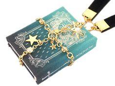 【魔法書】万物の運行表写本 - 夢のよすが作り 君衣(キミゴロモ) Kawaii Jewelry, Cute Jewelry, Resin Crafts, Resin Art, Resin Jewelry, Jewelry Crafts, Choses Cool, Greek Goddess Art, Mode Kawaii