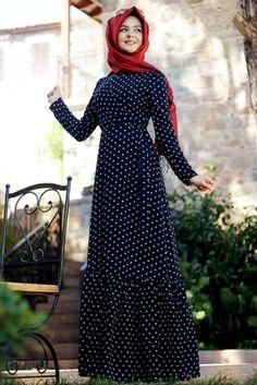 Pınar Şems Siyah Puantiyeli ElbiseWOMENS FASHION :  NIQAB ,نِقاب , ABAYA , عباية ,عباءةʿ عبايات ʿعباءاتʿ , ABA , HIJAB , حجاب More Pins Like This At FOSTERGINGER @ Pinterest