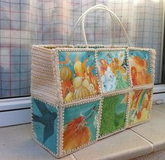 A handbag with crochet and recycled bottles I did for my mother last year.