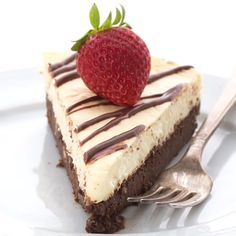 Keto Brownie Cheesecake - Keto Brownies - Ideas of Keto Brownies - Keto Brownie Cheesecake! Possibly the most delicious low carb cheesecake you will ever eat. Its like two desserts in one! Low Carb Cheesecake Recipe, Brownie Cheesecake, Healthy Cheesecake, Low Carb Keto, Low Carb Recipes, Healthy Recipes, Desserts Keto, Dessert Recipes, Breakfast