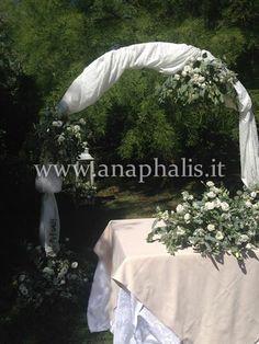 Matrimonio-estivo,raffinato con-fiori-bianchi-e-drappeggi#totalwhite#summer-Wedding-www.anaphalis.it