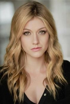 Katherine Mcnamara, Actrices Sexy, Blonde Hair Looks, Model Face, Redheads, Red Hair, Beauty Women, Hair Cuts, Celebs