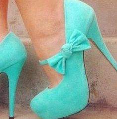 I'm jealous of the girl inside these adorable shoes