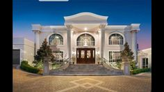 Luxury Homes Mansions & High End imóveis . Classic House Exterior, Classic House Design, Dream House Exterior, Dream Home Design, Modern House Design, House Outside Design, House Front Design, House Plans Mansion, Mansion Homes