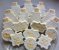 Wedding Anniversary Cookies 50th Anniversary Cookies, Anniversary Surprise, Anniversary Parties, Anniversary Plans, Golden Wedding Anniversary, Engagement Cookies, 50th Party, Valentine Cookies, Wedding Cookies