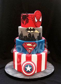 Berko Wedding cake Paris: DC vs. Marvel Comics                                                                                                                                                      More
