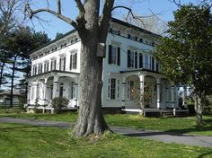 1860 Italianate; Middletown, Delaware.  Wouldn't it make a nice B?
