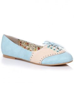 Pure dance floor divinity, the Halle vintage saddle shoes are always in style! A precious pair of leatherette retro style oxfords in a color blocked saddle shoe design, Halle has a lace-up perforated vamp, 1'' heel for lift and a soft, floral patterned in
