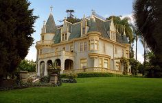 postgraduategoth: 1886 Kimberley house in Redlands, California. An amazing piece of Victorian storybook architecture. Victorian Architecture, Beautiful Architecture, Beautiful Buildings, Beautiful Homes, Classical Architecture, Beautiful Landscapes, The Sims, Redlands California, Southern California