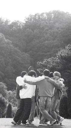 Bts Group Picture, Bts Group Photos, Bts Taehyung, Bts Jungkook, Namjoon, Bts Aesthetic Wallpaper For Phone, Bts Wallpaper, Foto Bts, Suga Rap
