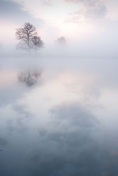 Kevin Day photography  |  Middlegreen, England, 2009  |  https://flic.kr/p/6aeW1P