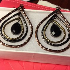 Nice earrings Tri-colored earring with black stone in middle Jewelry Earrings