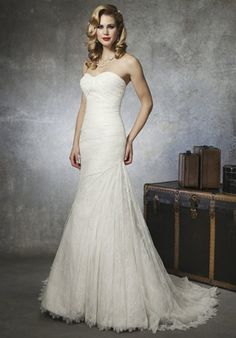 This would be gorgeous with some sort of crystal embellishment somewhere!!