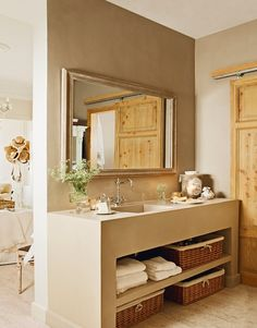 El gran cambio que se consiguió con poco Bad Inspiration, Bathroom Inspiration, Rustic Bathrooms, Small Bathroom, Home Interior, Interior Decorating, Bathroom Styling, Beautiful Bathrooms, Ideal Home