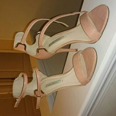 Nude Zara heel Gorgeous heels,  worn twice in perfect shape no damage.  Like new Zara Shoes Heels