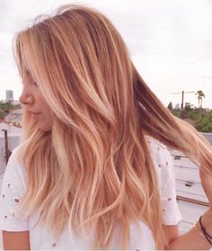 Ashley Tisdale's blonde 'do gets amped up with a pink tint.Want even more ways to wear pink-tinged hair? Right this way. #refinery29 http://www.refinery29.com/2016/08/121249/rose-gold-hair-fall-trend#slide-8
