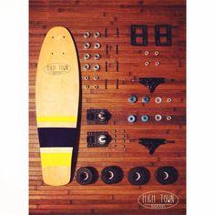 Mini Cruiser H I G H T O W N. Because summer is coming. Don't walk, skate! Set up: High Town MiniCruiser Board. Tracker Dart Classic 85mm Trucks.(Ejes). Krypto Impulse wheels. (Ruedas). SKF Bearings. (Rodamientos). Transparent Grip. Lija transparente. #skate #SK8 #surf #oldschool #longboard