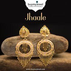Chand Bali Earrings Gold, Gold Jhumka Earrings, Gold Chandelier Earrings, Gold Bridal Earrings, Gold Bangles Design, Gold Earrings Designs, Gold Jewellery Design, Mens Gold Jewelry, Golden Jewelry