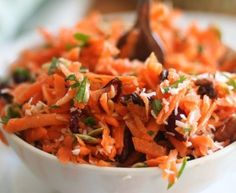 Ready in just a few minutes, this is undoubtebly the Best Carrot Salad EVER! Try it once and I can guarantee that it will become your go-to carrot salad recipe! Just be sure not to leave the secret ingredient out. Carrot Salad Recipes, Raw Food Recipes, Vegetarian Recipes, Cooking Recipes, Healthy Recipes, Healthy Snacks, Healthy Eating, Summer Salads, Soup And Salad
