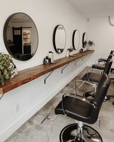 The streamline Carrera Styling Chairs are the perfect addition to this simplistic yet inspiring space! Isn't Cedar & Ivy Salon in Carlsbad, CA absolutely gorgeous? 🖤🌿  #myminerva #modernsalon #salontoday #hairdresser #hairstylist #hairbrained #behindthechair #minervabeauty #beminervabeautiful #interiordesign #saloninterior #salondecor #salonlife #salongoals #hairsalondecor #salonequipment #saloninspo #saloninspiration #salonstyle #cedarandivy