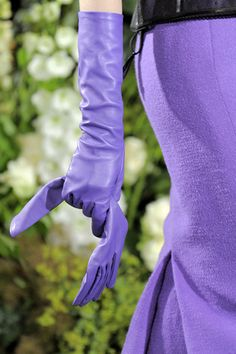 Blue-violet gloves - Christian Dior Haute Couture, F/W Dior Haute Couture, Couture Fashion, Fashion Show, Christian Dior, Couture Details, Fashion Details, Gloves Fashion, Fashion Accessories, Couture Accessories