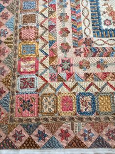 Gorgeousness!! Sampler Quilts, Scrappy Quilts, Antique Quilts, Vintage Quilts, Quilting Projects, Quilting Designs, Quilt Boarders, Bird Quilt, Civil War Quilts