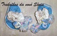 Trabalhos da vovó Sônia: Sapatinho para bebê azul e branco - croché
