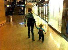 10 Tips on Flying With Infants and Toddlers