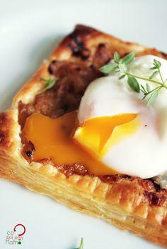 poached egg tart