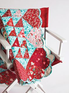 = free pattern = Hearts Afloat quilt by Bev Getschel for Quiltmaker (PDF download), featured at Quilt Inspiration