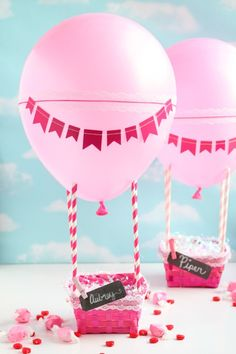 Love is in the air, this Valentine's Day capture all the sweet love notes and handmade valentines in this adorable hot air balloon Valentine's Day box craft.