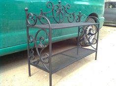Iron Furniture, Steel Furniture, Metal Plant Stand, Blacksmith Forge, Metal Bending, Blacksmith Projects, Flower Stands, Iron Art, Metal Projects