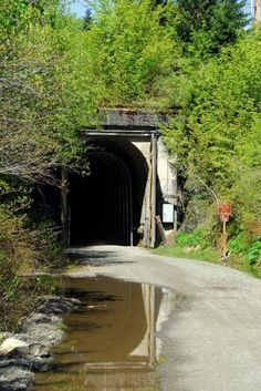 iron horse trail (the tunnel) - snoqualmie