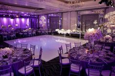 Decoracion de boda de color púrpura. #DecoracionBodas