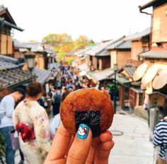 "Instagrammer, ""girleatworld"", travels and documents all her favourite treats with memorable photos of the food she eats with her location in the background."