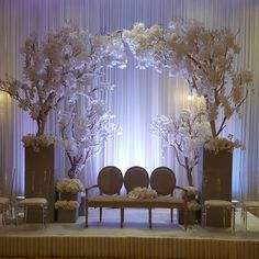 Follow us @ SIGNATURE BRIDE on Instagram and Twitter and on Facebook @ SIGNATURE BRIDE MAGAZINE. Check out our website @ signaturebride.net