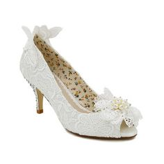 Fran – New for 2017   Love Flo but prefer a lower heel? Meet Fran! All the same stunning features as Flo but a little bit low. Handcrafted ivory lace, pearl & lace flower trim & diamante encrusted mid height heel in this vintage inspired peep toe bridal shoe. New to the Perfect Bridal Shoes Collection for 2017  Perfect Vintage Inspired Lace Shoe