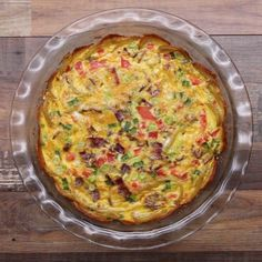 Potato-Crusted Quiche Recipe by Tasty - Vegetarian Recipes Breakfast Quiche, Breakfast Dishes, Breakfast Recipes, Breakfast Ideas, Breakfast Potatoes, Breakfast Casserole, Egg Casserole, Breakfast Healthy, Morning Breakfast