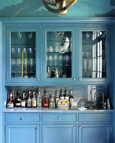 love this blue color for the cabinets