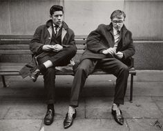 Lutz Dille's picture of men on a park bench in London, 1962