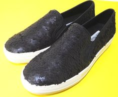 1f1919bfaa8 Women s Shoes · Steve Madden Gills-S Black and Gold US Size 8.5 M Sneakers  NEW  SteveMadden