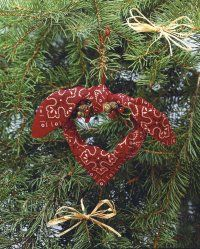 Making Western-Themed Ornaments - Western-themed ornaments can give your tree more character than the usual tinsel and lights. Learn how to make a Christmas Kerchief and Cowgirl Hat ornament. Western Christmas Tree, Cowboy Christmas, Christmas Tree Wreath, Primitive Christmas, Diy Christmas Ornaments, Country Christmas, Christmas Themes, Holiday Crafts, Christmas Holidays