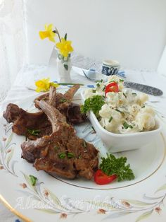 Aleda konyhája: Vajban sült bárányborda metélőhagymás krumplisalátával Beef, Dishes, Food, Meat, Plate, Utensils, Hoods, Meals, Ox