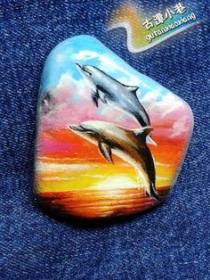 古潭小巷 精品手绘石头画《海豚湾》手绘石头彩绘原创diy