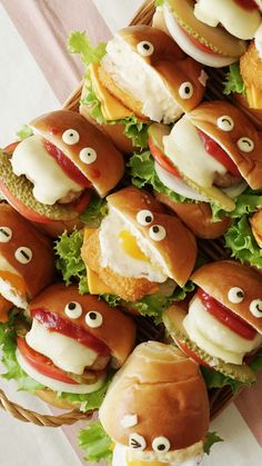 Super Kawaii Mini Sliders.  Give anything eyes and it's immediately adorable. Even these delicious sliders.