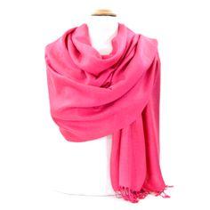 étole pashmina rose fushia #mesecharpes.com http://www.mesecharpes.com/etole/etole-pashmina/etole-rose-fushia-pashmina-tissage-damasse.html