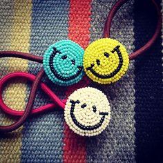 スマイルヘアゴム * 我がSHOPの定番商品 * 色んなCOLORの子が旅立ちました * 髪だけじゃなく、水筒やお弁当箱等になった子も * ¥1500円(税込み) * #ハンドメイド#ヘアゴム#にこちゃん #ニコチャン#スマイル#smile#☺#ヘアアレンジ#アクセサリー#grains #beadwork#beads#peace#beading#happy