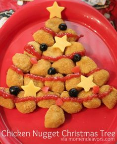 Fun holiday meal for kids- Chicken Nugget Christmas Tree. I think I can do this with homemade nuggets. Easy Holiday Recipes, Easy Appetizer Recipes, Holiday Treats, Holiday Fun, Christmas Recipes, Christmas Meals, Appetizers, Christmas Goodies, Kids Christmas